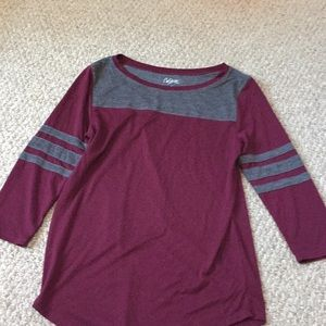 Maroon/gray shirt.